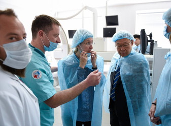 Ulyana Suprun and Japanese Ambassadori Sumi Shigeki visited Kiev region hospital